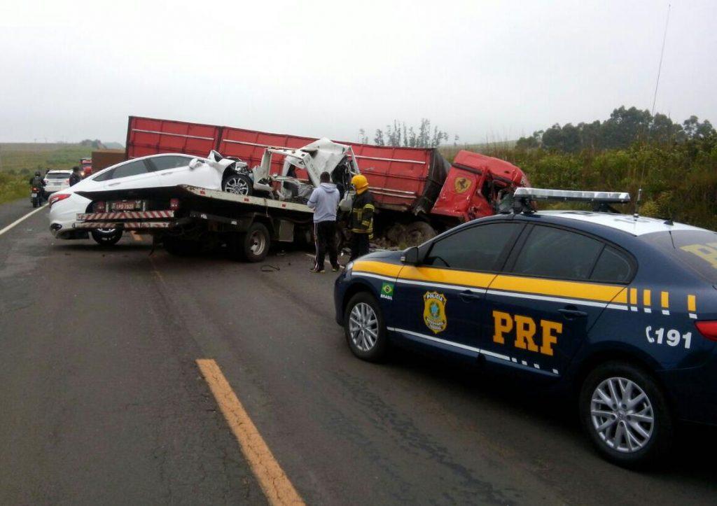 Final de semana começa violento nas rodovias federais da região central do Estado (Foto: Divulgação/PRF)