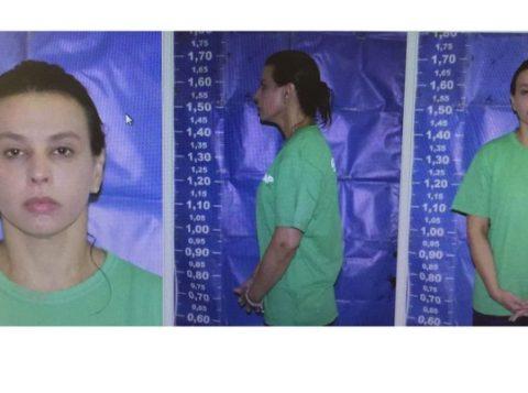 Adriana Ancelmo, mulher do ex-governador do Rio Sérgio Cabral, com trajes de interna do sistema penitenciário. (Foto: Reprodução)