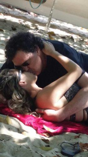 Casagrande foi flagrado beijando uma loira na última sexta (24). (Foto: Reprodução)