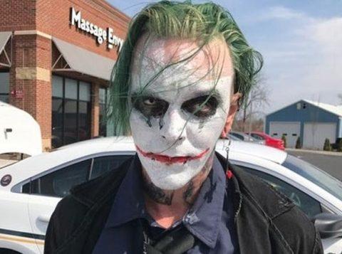 Usar máscara ou disfarçar identidade é considerado crime na Virgínia. (Foto: Reprodução)