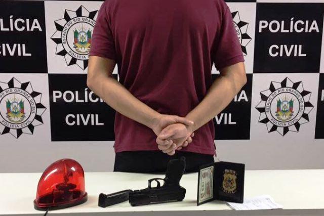Homem foi preso pelo crime de falsa identidade (Foto: Polícia Civil/Divulgação)