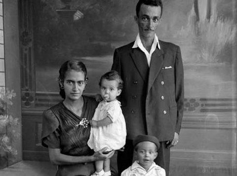 Exposição mostra registros de primeiros operários brasileiros registrados. (Foto: Assis Horta/Divulgação)