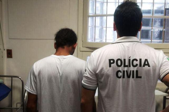 Homem estava dentro da unidade de Saúde. (Foto: Polícia Civil/Divulgação)