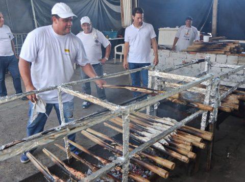 Festa do Peixe foi aberta na Ilha da Pintada  (Foto: Joel Vargas/PMPA)