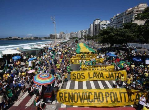 Copacabana foi um dos lugares que mais recebeu manifestantes (Foto: Reprodução)