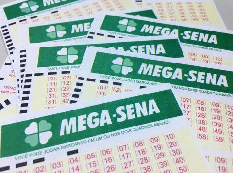 As dezenas sorteadas foram: 02, 20, 21, 33, 48 e 57. (Foto: Reprodução)