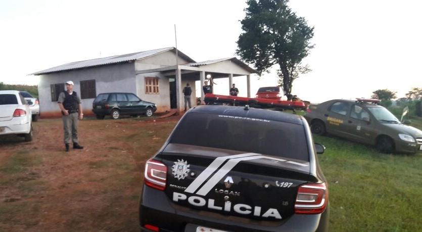 A ação resultou na apreensão de armas, veículos, dinheiro e celulares (Foto: Polícia Civil/Divulgação)