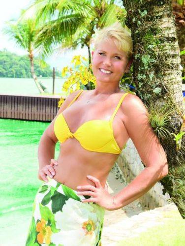 Xuxa conta ainda que conseguiu eliminar os sete quilos com a ajuda da filha, Sasha (Foto: Reprodução)