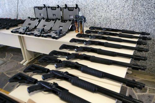 Armamento reforça atuação no combate ao crime (Foto: Luiz Chaves/Palácio Piratini)
