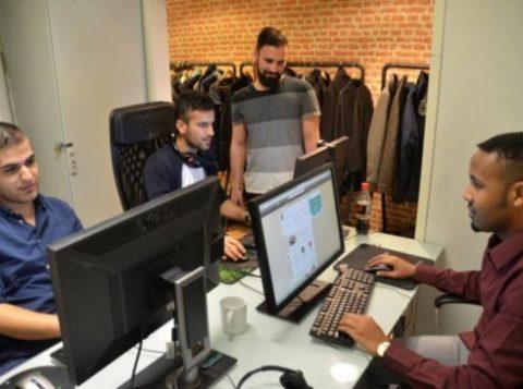 Funcionários de startup trabalham em Helsinque, Finlândia (Foto: Reprodução)