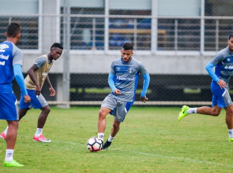 Terça-feira foi marcada pelos primeiros treinos físicos e táticos do Tricolor na semana. (Foto: Lucas Uebel/Grêmio)
