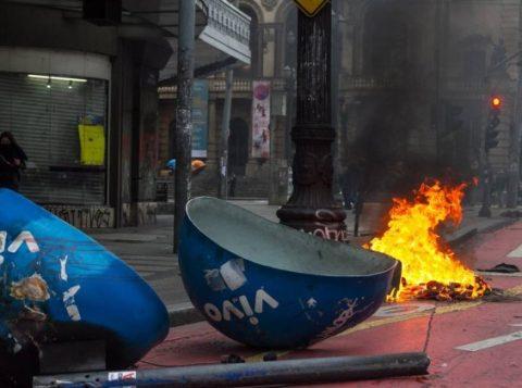 Confrontos e depredações foram registrados no Centro de São Paulo (Foto: Reprodução)
