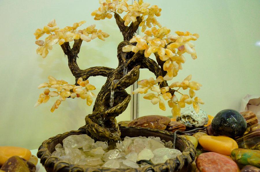 Artesanato em pedras preciosas (Foto: Divulgação)