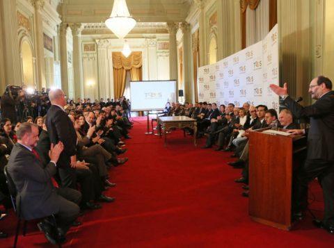 O governador José Ivo Sartori anunciou na manhã dessa quinta-feira, no Palácio Piratini, os nomes dos novos secretários estaduais. (Foto: Luiz Chaves/Palácio Piratini)