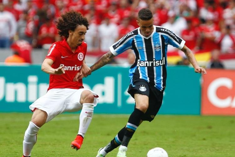 Valdívia e Luan (Foto: Lucas Uebel/Grêmio-FBPA)