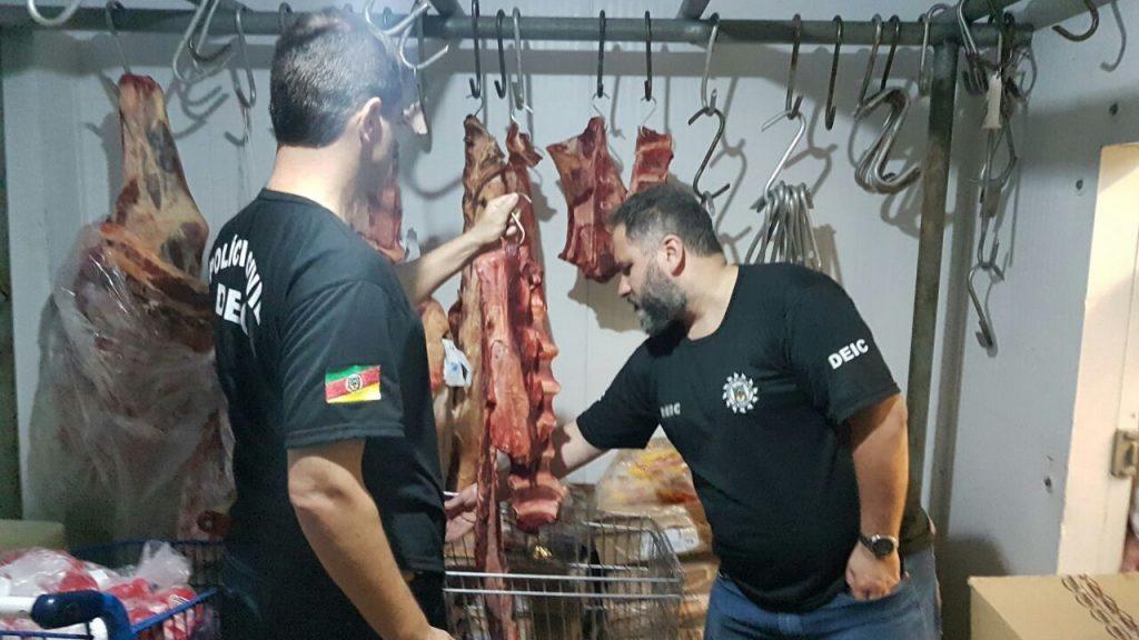 Quase meia tonelada de alimentos foram apreendidos (Foto: Divulgação/Polícia Civil)