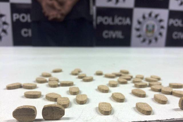 Droga apreendida está avaliada em cerca de R$ 1,8 mil (Foto: Polícia Civl/Divulgação)