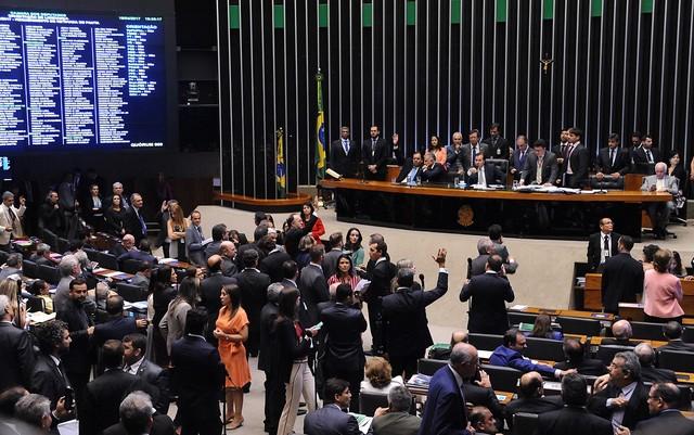 O plenário da Câmara, durante a sessão desta terça (18). (Foto: Luis Macedo/Câmara dos Deputados)