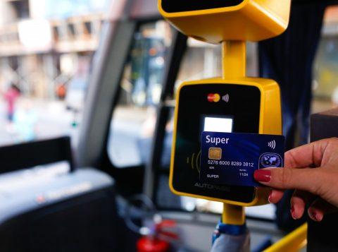 No transporte público de POA, será incluído o pagamento de passagem por meio do contato do telefone celular (Foto: Cesar Lopes/PMPA)