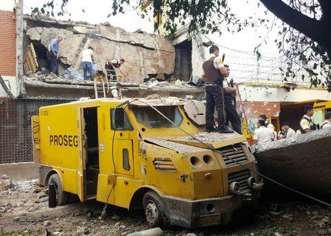 Bando fez assalto cinematográfico à base da Prosegur, em Ciudad Del Este (Foto: Christian Rizzi/Fotoarena)