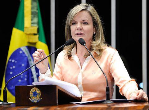 Ex-ministra da Casa Civil, a senadora Gleisi Hoffmann discursa no plenário (Foto: Pedro França/Agência Senado)