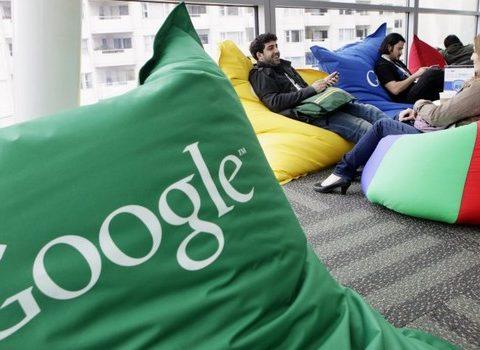 As medidas vêm após meses de críticas a Google e Facebook por hospedarem informações enganosas, particularmente as relacionadas à eleição presidencial americana de 2016 (Foto: Reprodução)