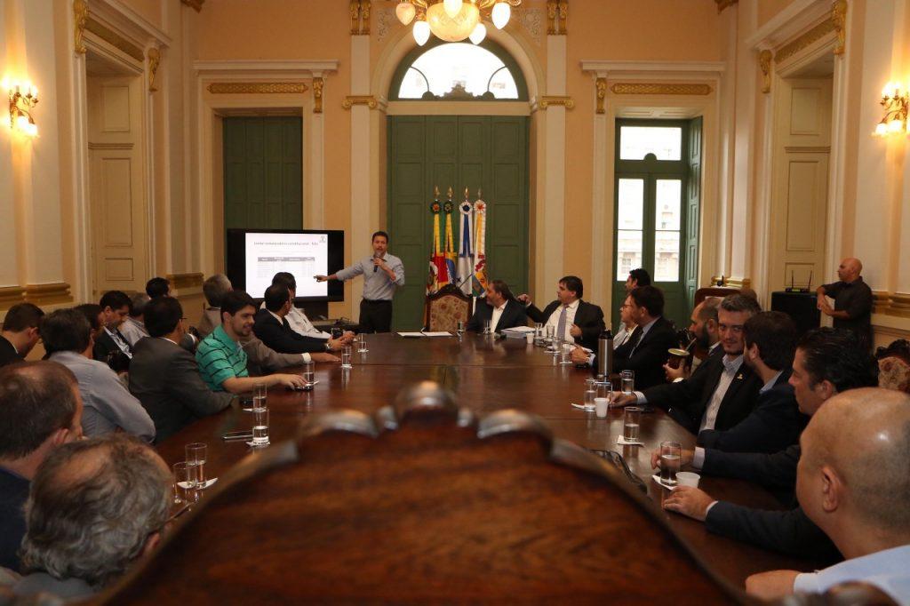 Prefeito Nelson Marchezan Júnior reuniu-se com vereadores  (Foto: Ricardo Giusti/PMPA)