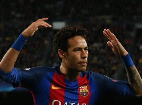 Neymar é pretendido pelo Manchester United, que está disposto a pagar uma fortuna pelo atleta. (Foto: Albert Gea/Reuters)