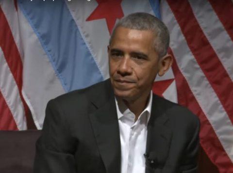 Obama conversou com jovens na Universidade de Chicago. (Foto: Reprodução)