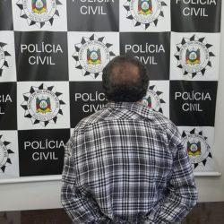 Suspeito foi preso em flagrante (Foto: Polícia Civil/Divulgação)