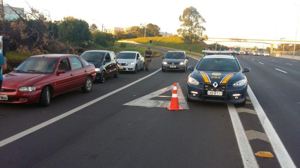 Veículos recolhidos não apresentavam condições mínimas de segurança (Foto: PRF/Divulgação)