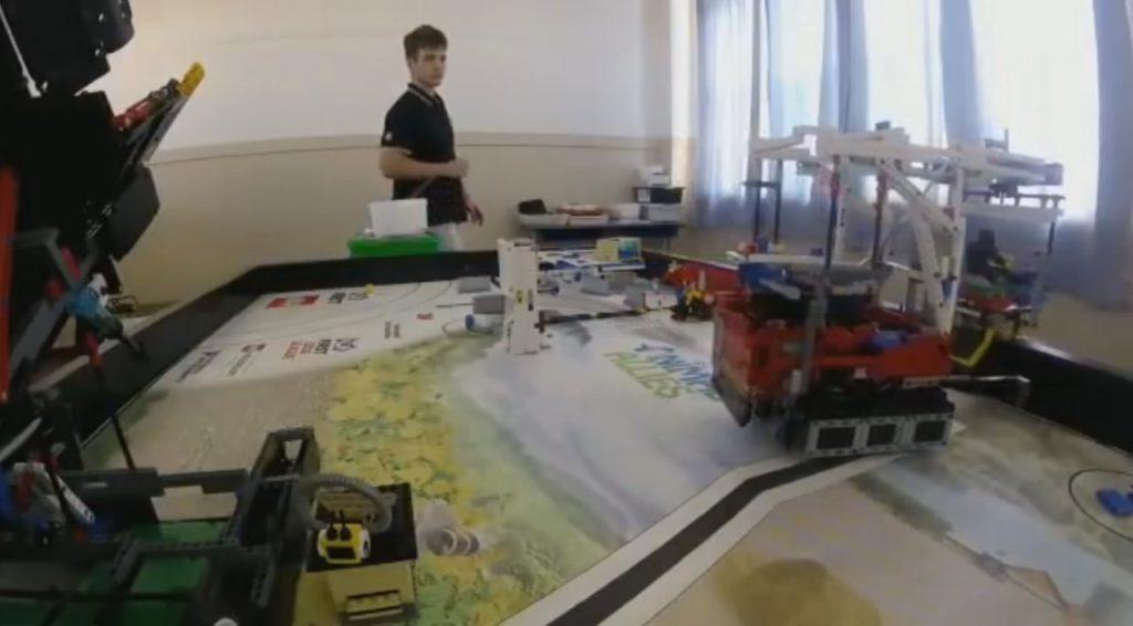 Equipe de robótica precisa garantir recursos para ir à Austrália (Foto: Reprodução)