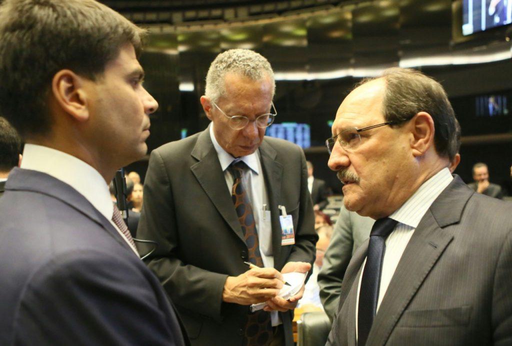 Sartori conversou com o relator do projeto, deputado Pedro Paulo (RJ), que anunciou mudanças no texto (Foto: Luiz Chaves/Palácio Piratini)