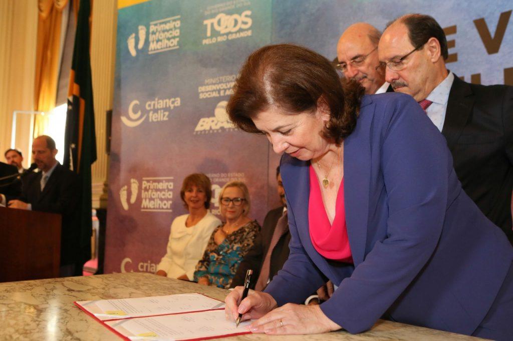 Maria Helena Sartori foi a autora do projeto do aprovado em 2006, quando deputada estadual (Foto: Luiz Chaves/Palácio Piratini)
