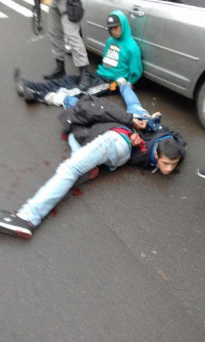 bddea817dda Ladrões são presos após tentativa de assalto com reféns em joalheria ...