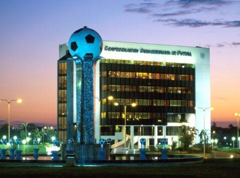 Taça Libertadores: a Conmebol reafirmou a final em Santiago, apesar de protestos