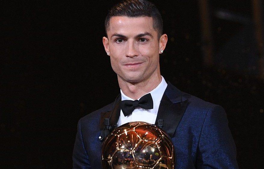 c395d9068 O jogador Cristiano Ronaldo exigiu um salário do nível de Messi e Neymar