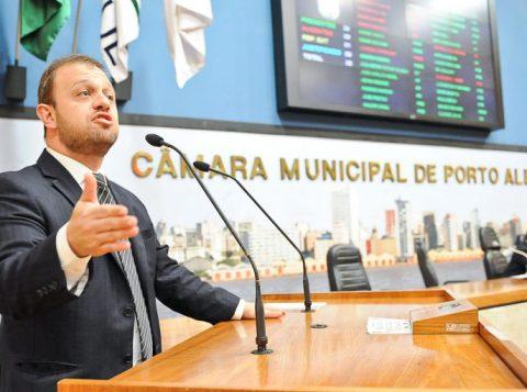 André Carús renuncia ao cargo de vereador de Porto Alegre