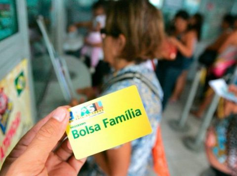 O presidente Bolsonaro criou o 13º salário do Bolsa Família