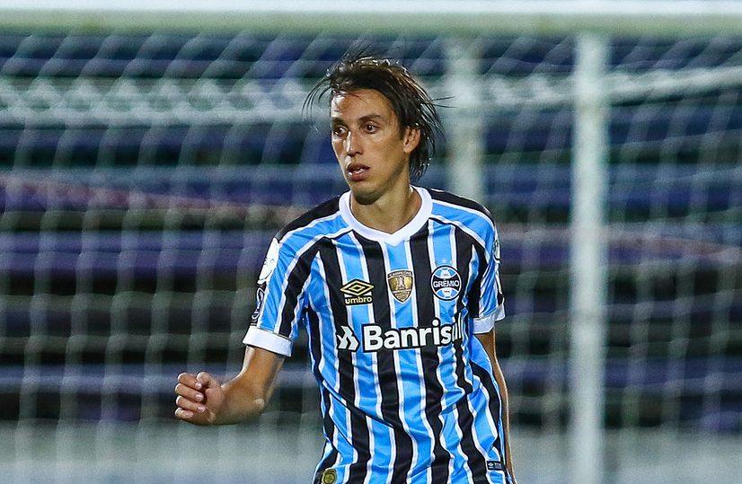 99833a6f09 Geromel comemorou a convocação para a Seleção com os companheiros do Grêmio  e fez um discurso agradecendo os colegas