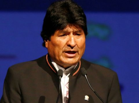 Bolivianos vão às urnas neste domingo