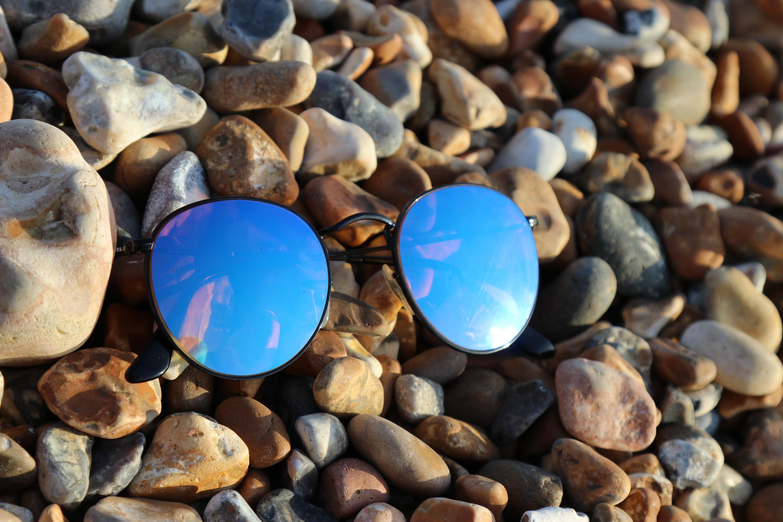1431cd0265d00 Um novo golpe no Instagram promete descontos em óculos Ray-Ban ...