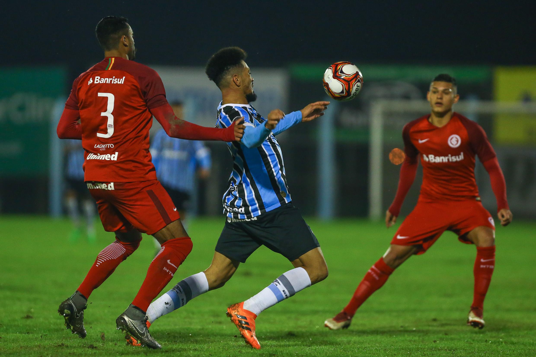 O Grêmio e o Inter empataram em 1 a 1 o jogo válido pelo Campeonato  Brasileiro de Aspirantes 109c1fb80b671