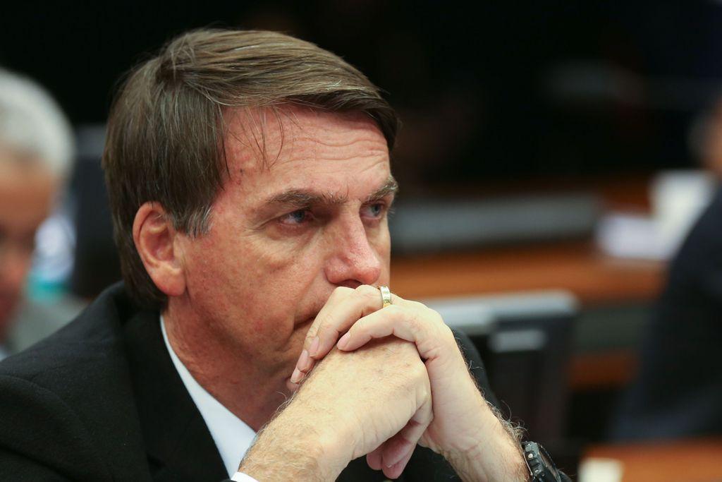 5bba664c5 Bolsonaro voltou a negar a recriação da CPMF e lembrou que a sua esposa foi  mãe solteira
