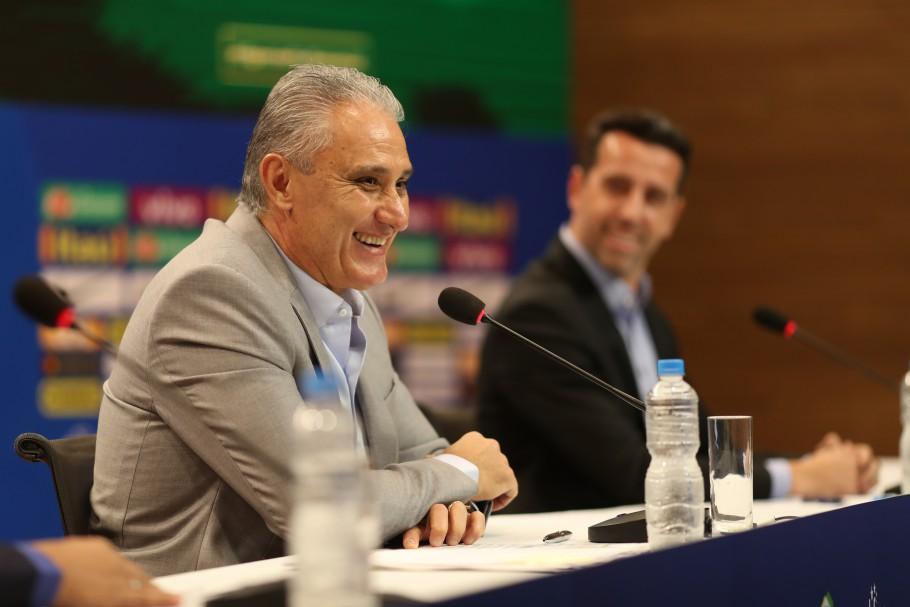 5328bbe93 O técnico Tite convocou jogadores para amistosos da Seleção Brasileira em  novembro e evita atletas do Brasileirão