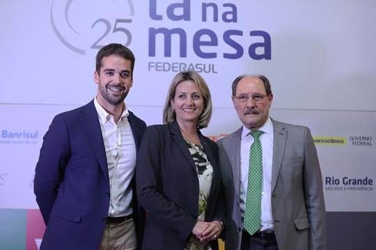 Candidatos reforçam críticas em debate na Federasul  Eduardo Leite reclamou  da demora do atual governo  enquanto Sartori falou do desconhecimento da ... 6dd0aac5f5