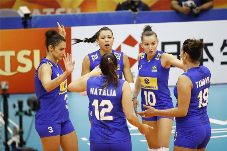 O Brasil arrasou a seleção do Quênia no Mundial de Vôlei feminino e  garantiu vaga na segunda fase da competição e848157d1bb19