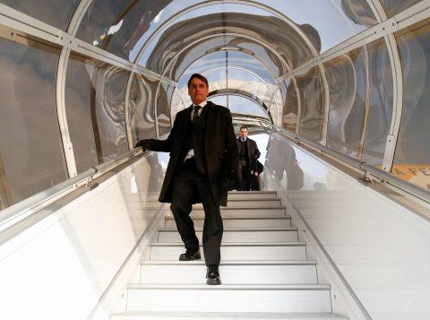 Bolsonaro viaja para Japão, China e países do Oriente Médio