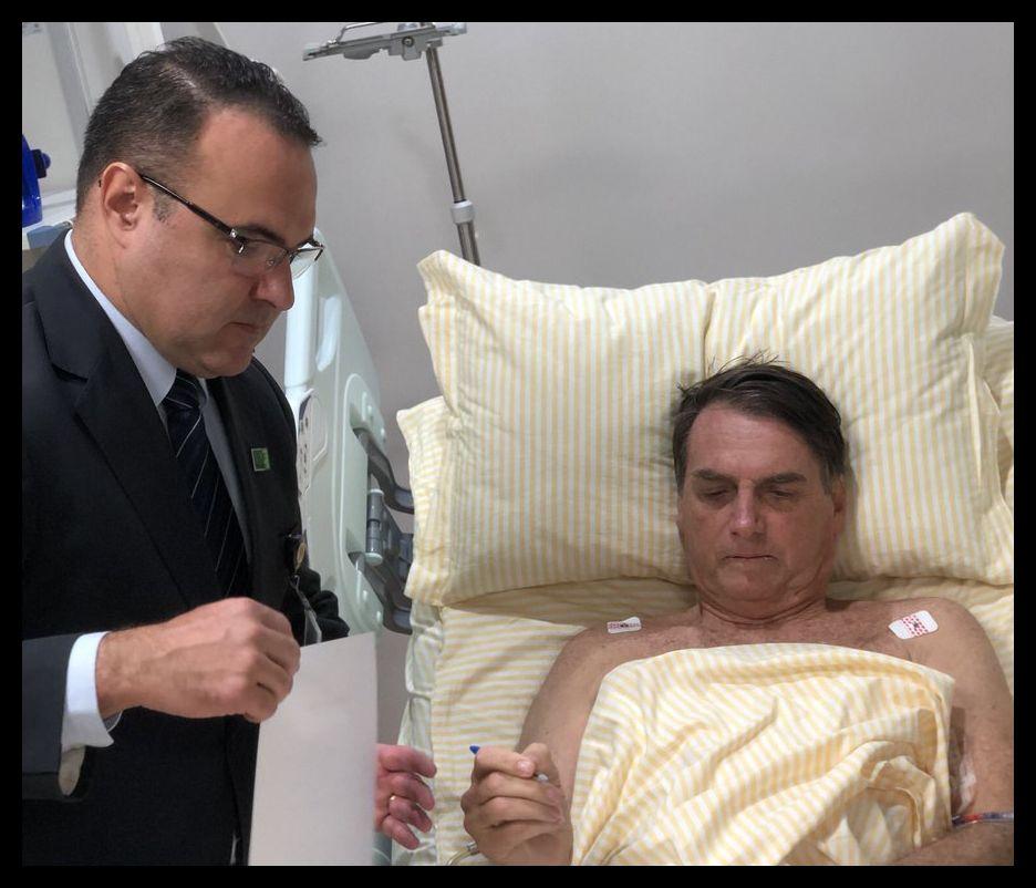 A internação prolongada de Bolsonaro tem provocado a paralisia de ações do governo
