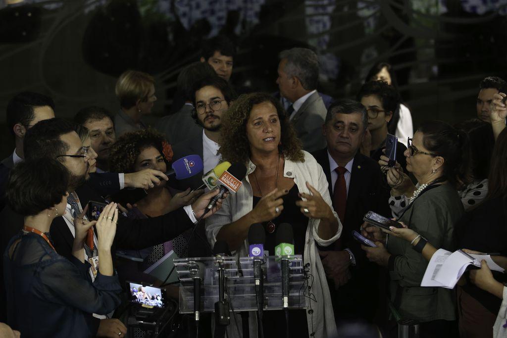 Resultado de imagem para fotos oposicão contra a reforma